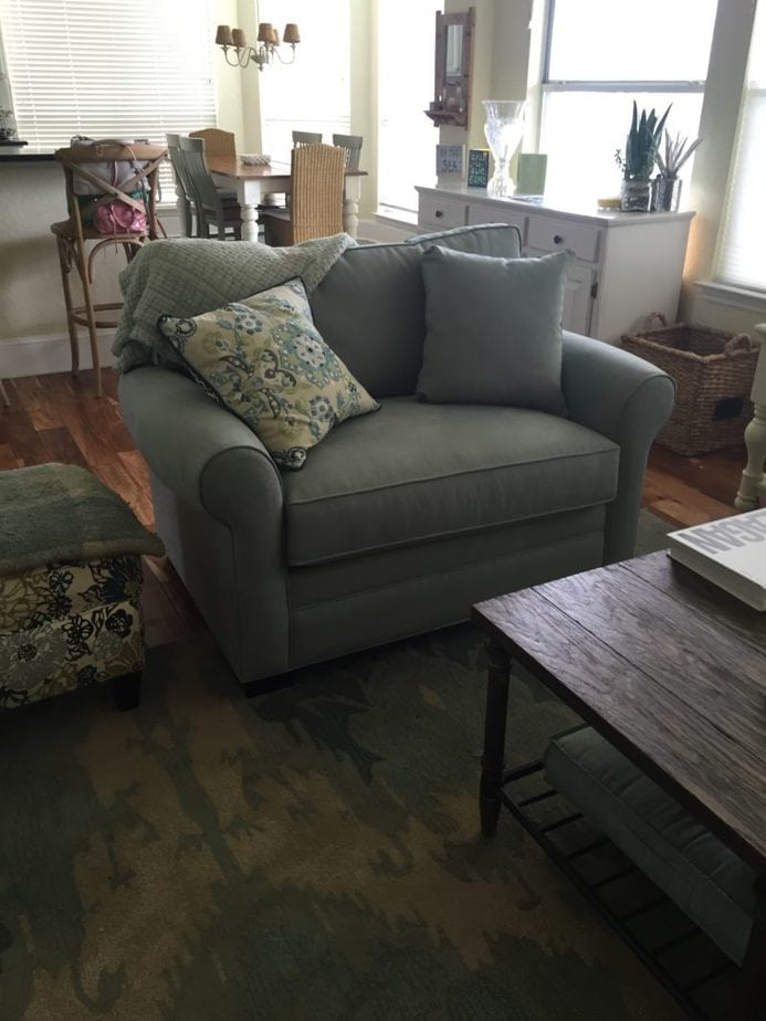 Rooms To Go Cindy Crawford Home Bellingham Hydra Chair